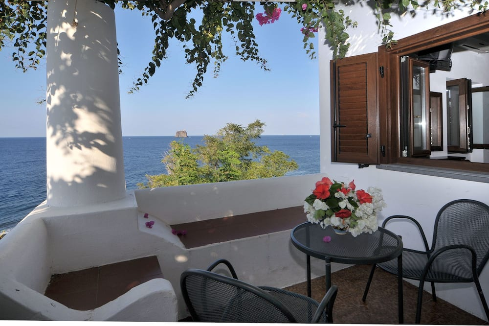 Izba s dvojlôžkom alebo oddelenými lôžkami, výhľad na more - Terasa
