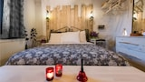 Reserve this hotel in Karpenisi, Greece