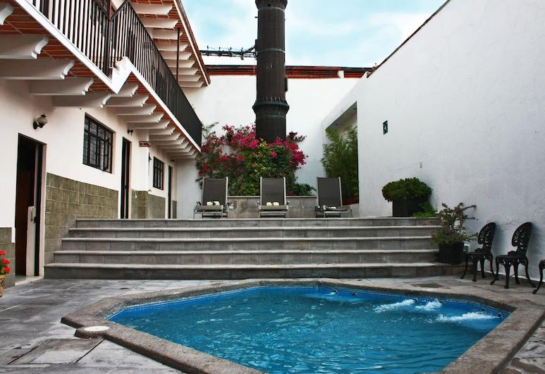 ホテル カサ ブランカ テキスキアパン, テキズキアバン