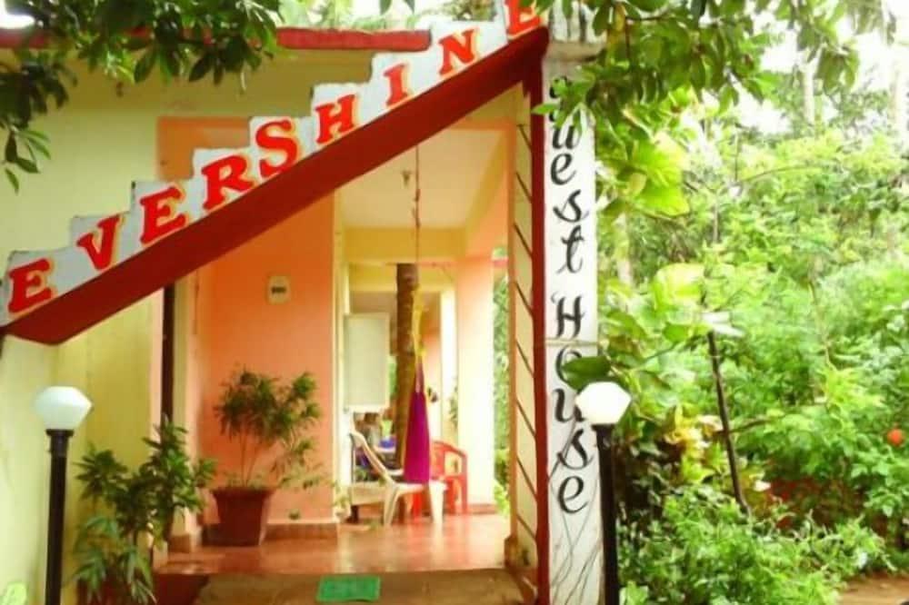 Evershine Guest House, Anjuna