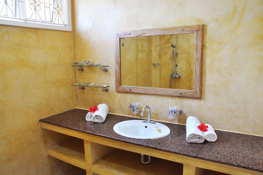 Room, Mountain View - Bathroom Sink