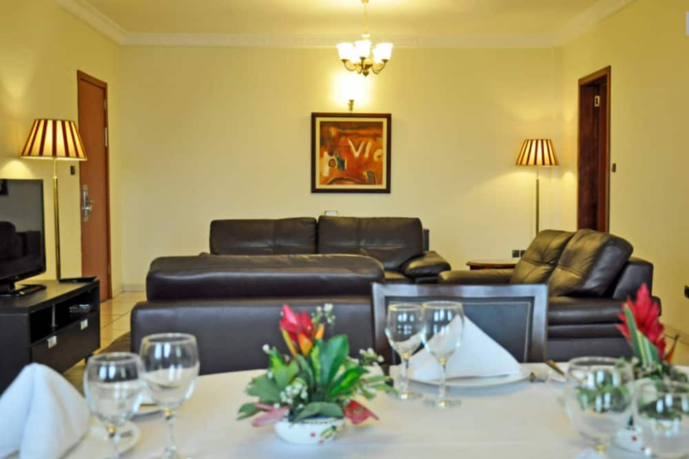 Phòng Suite Junior - Phòng khách