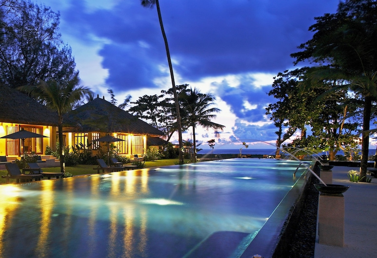 班格薩克村莊酒店 - 只招待成人, 塔庫巴, 室外泳池