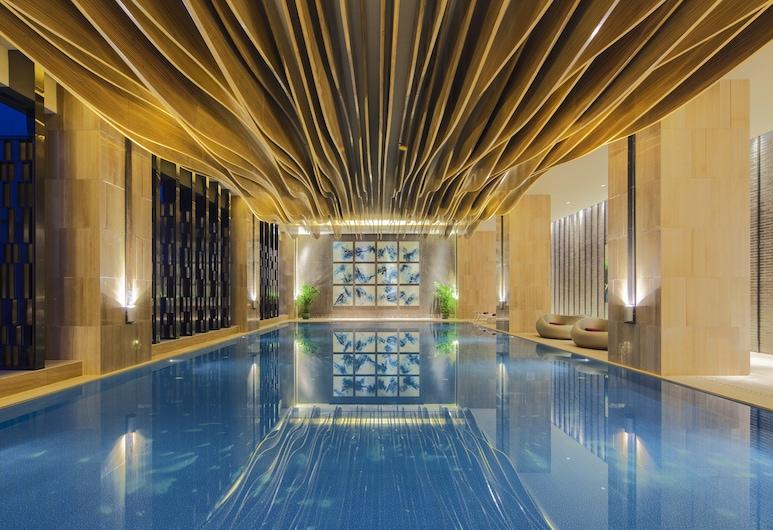 Crowne Plaza Tianjin Mei Jiang Nan, an IHG Hotel, Tianjin, בריכה