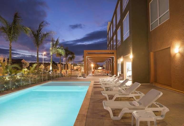Four Points by Sheraton Puntacana Village, Punta Cana, Outdoor Pool