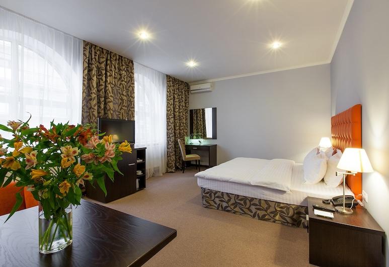 Bontiak Hotel, Kyiv, Comfort Room, 1 King Bed, Guest Room