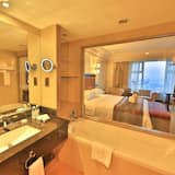 Business Room, 1 King Bed, City View - Bathroom