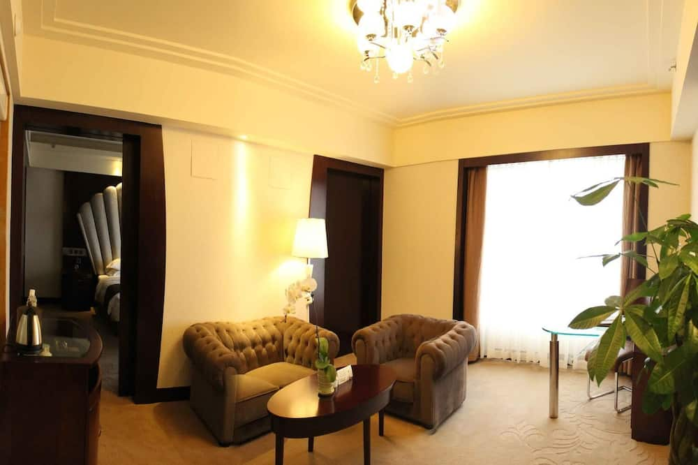 Suite, 2 Single Beds - Living Room