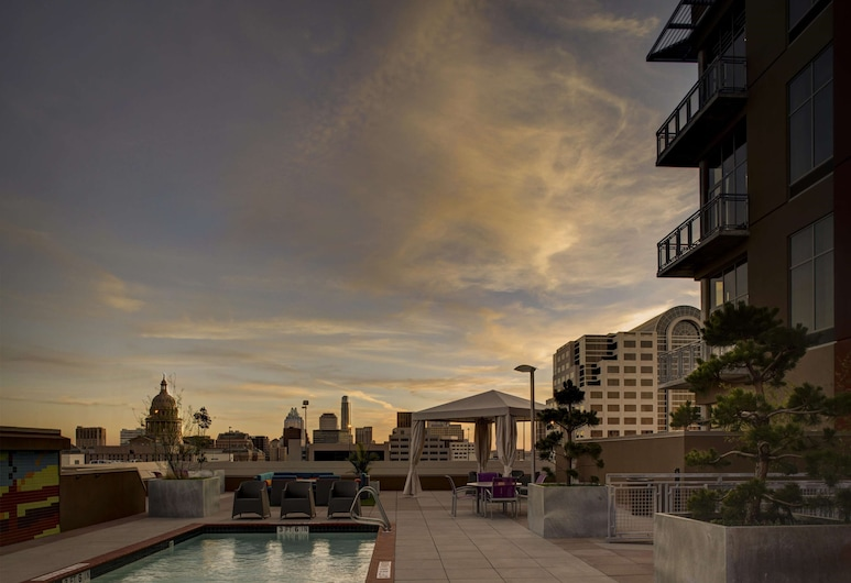 Hampton Inn & Suites Austin @ The University / Capitol, Austin