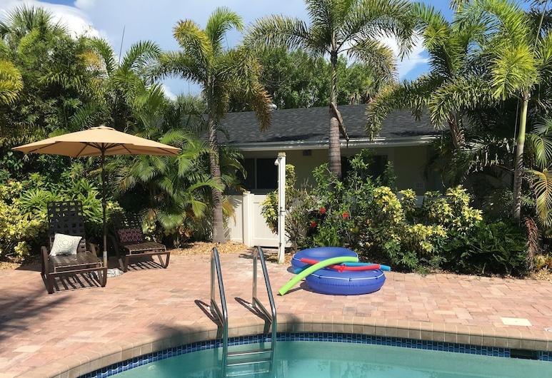 Palm Tree Villas, Holmes Beach, Pool