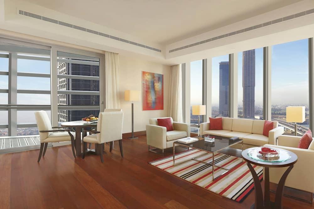 Paaugstināta komforta luksusa numurs, trīs guļamistabas, balkons - Dzīvojamā zona