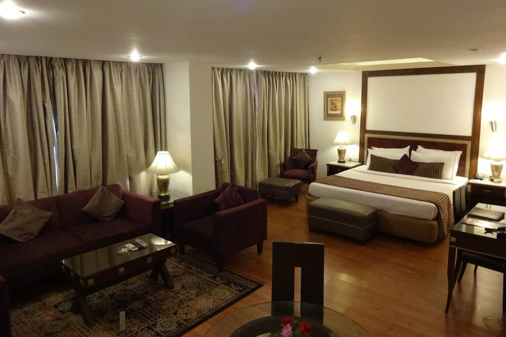 Premier Suite, 1 Double Bed - Guest Room