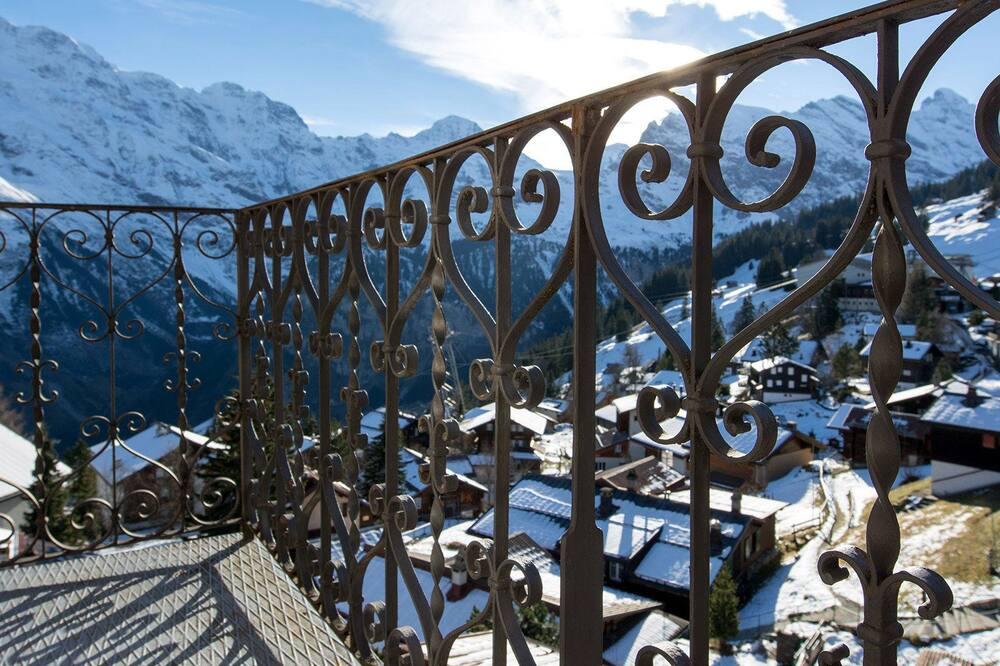 Dobbeltrom – panoramic, delt bad, utsikt mot fjell (Balcony) - Balkong