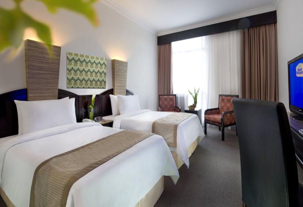Wana Riverside Hotel Melaka Deluxe Room Bilik Tamu