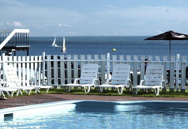 Hostellerie Baie Bleue, Carleton-sur-Mer, Vonkajší bazén