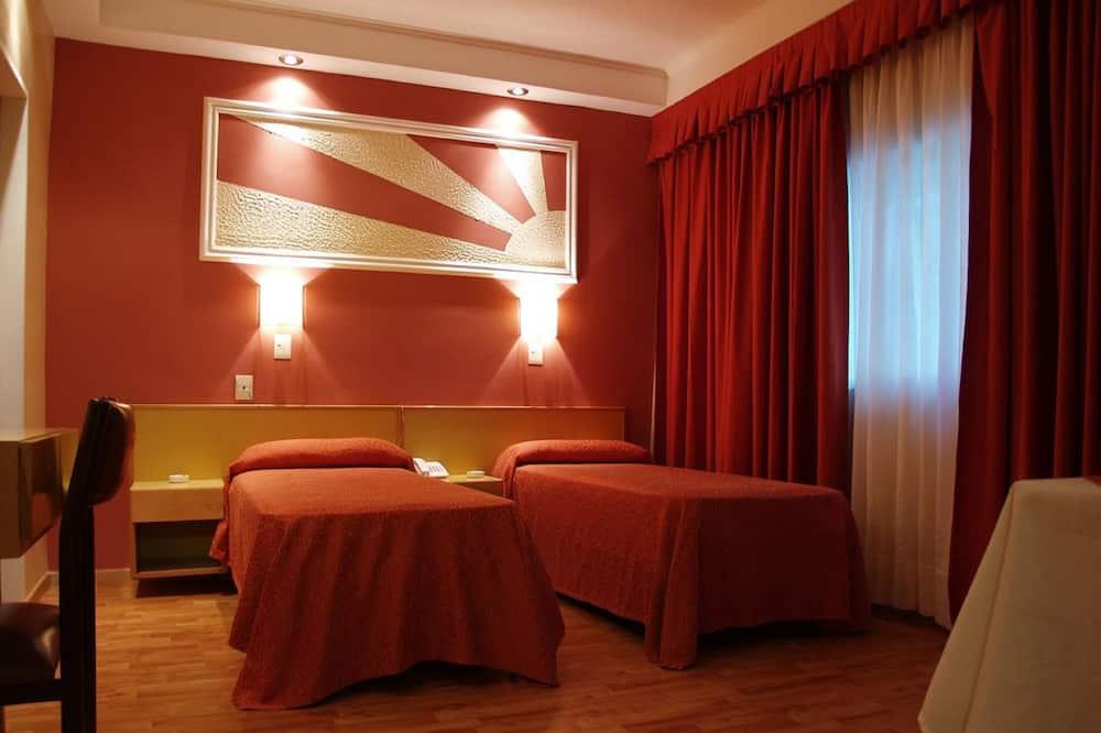 غرفة ثلاثية - غرفة نزلاء