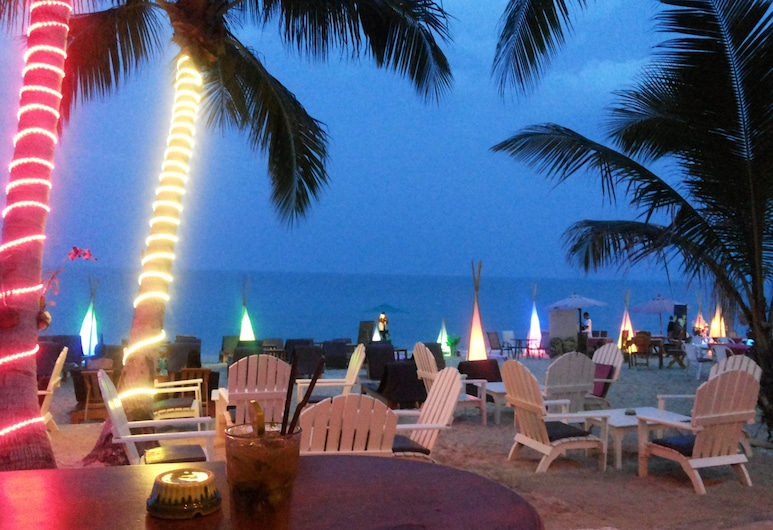Coconut Beach Resort, Koh Samui, Beach