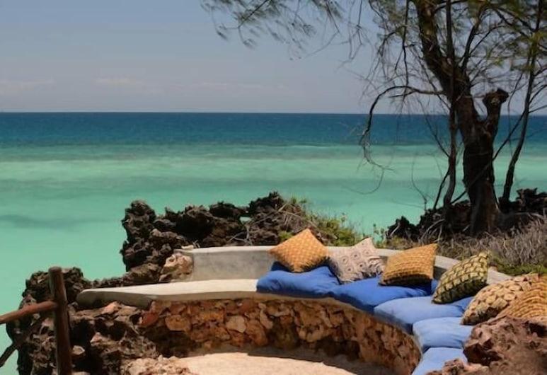 أونغوجا لودج, كيزيمكازي, الشاطئ