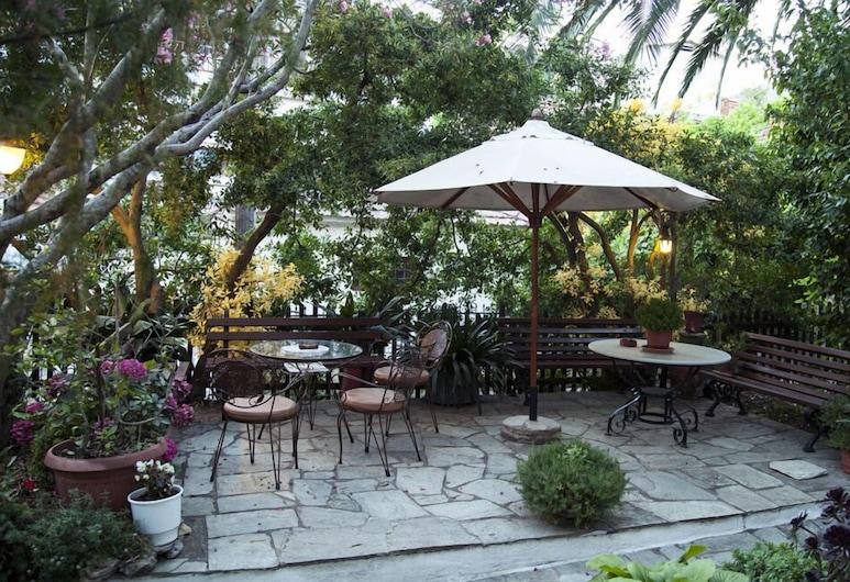 Magani Apartments & Maisonettes, South Pelion, Courtyard