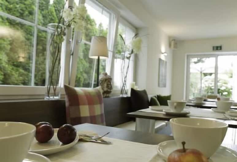 Villa Verde, Salzburg, Frühstücksbereich