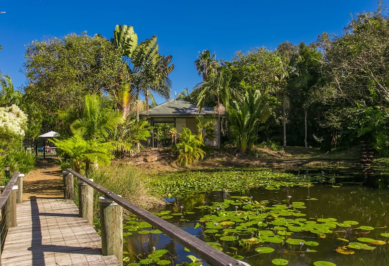 Byron Lakeside Holiday Apartments, Byron Bay, Garden