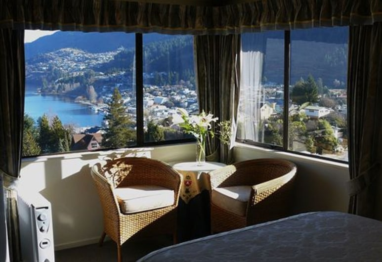 Balmoral Lodge, Queenstown, Superior Room, Lake View, Lake View