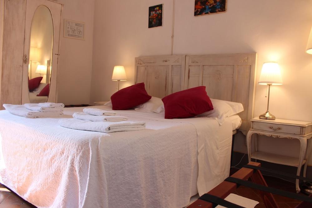 Book Bed & Breakfast Le Terrazze del Chianti in Tavarnelle Val di ...