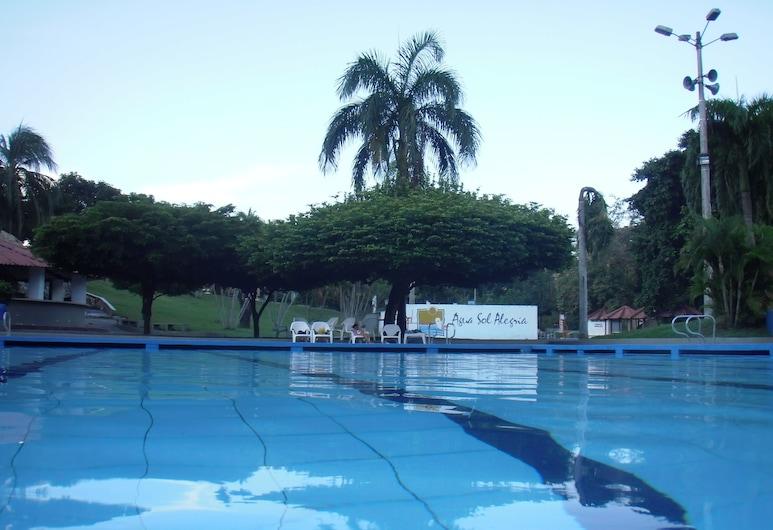 Hotel y Parque Acuatico Agua Sol Alegría, Honda, Kolam Terbuka