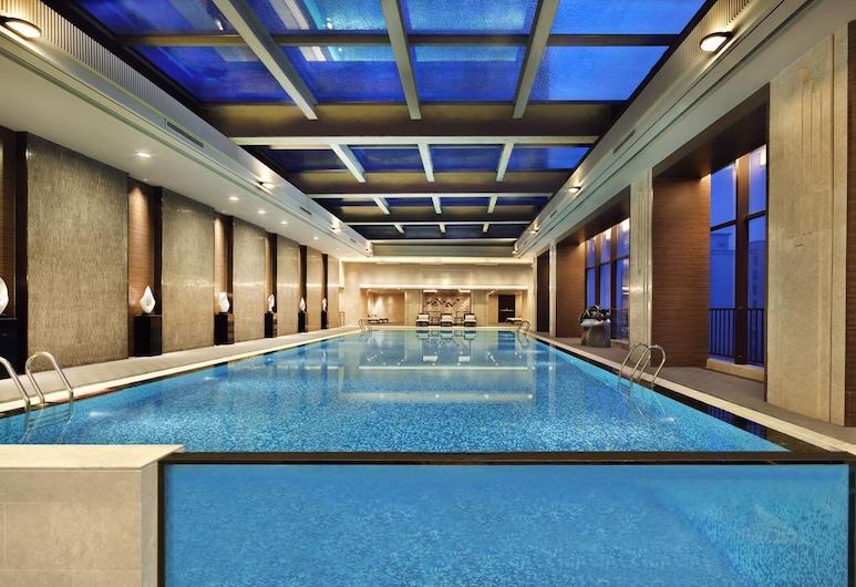 The Qube Hotel Shanghai Xinqiao, Shanghái, Alberca cubierta