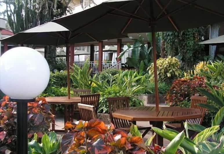 Kivi Milimani Hotel, Nairobi, Terrace/Patio