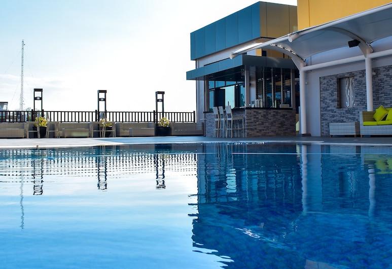 The Royal Mandaya Hotel, Davao, Bar Junto à Piscina