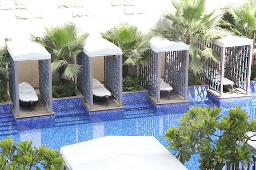 古爾岡塔吉市中心酒店/