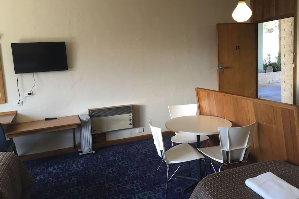 غرفة عائلية - تناول الطعام داخل الغرفة
