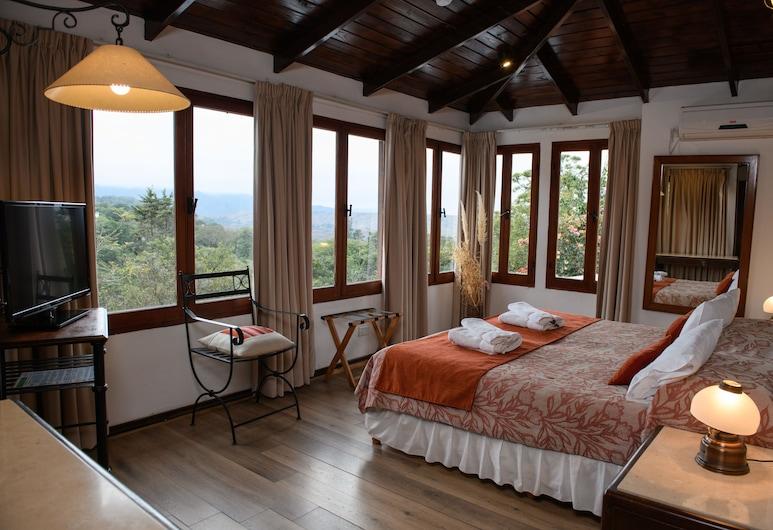 Hotel Selva Montana, Villa San Lorenzo, Pokój dwuosobowy z 1 lub 2 łóżkami typu Superior, Łóżko podwójne lub dwa pojedyncze, widok na góry, Pokój