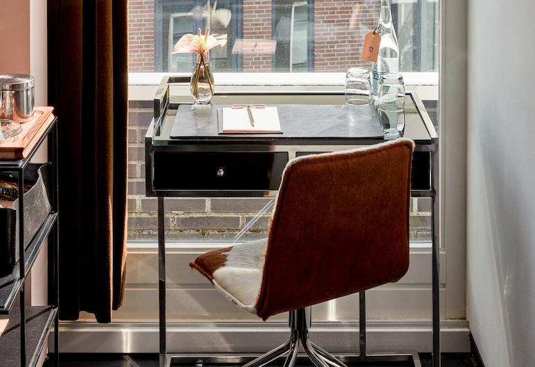 Sir Albert Hotel Amsterdam, Amsterdam, Deluxe Room, Guest Room View