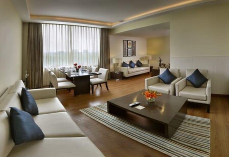 Four Points by Sheraton New Delhi, Airport Highway, New Delhi, Executive Suite, 1 Katil Raja (King), Non Smoking, Ruang Tamu