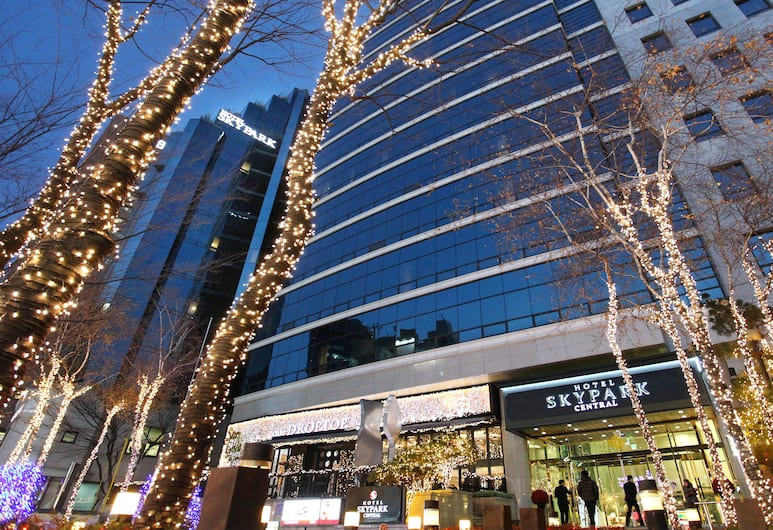 Hotel Skypark Central Myeongdong, Seoul, Hotel Front – Evening/Night