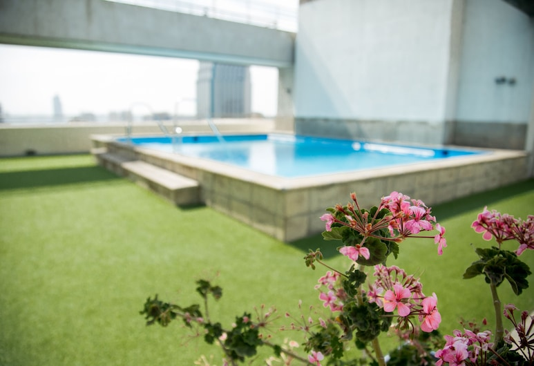 Boulevard Bellas Artes, Santiago, Outdoor Pool