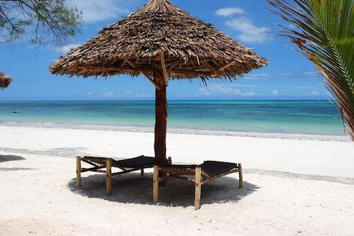 烏羅灣海灘度假飯店/