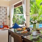 Villa, 2 Yatak Odası, Kişiye Özel Havuzlu (Enigma) - Odada Yemek Servisi