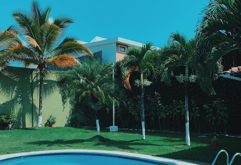 Hotel Santa Elena, Antiguo Cuscatlán, Piscina