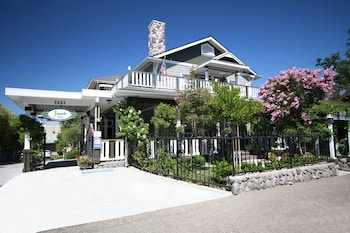 Picture of ForFriends Inn Bed and Breakfast in Santa Ynez
