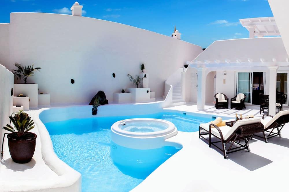 Superior villa, 3 hálószobával, privát medence (Club) - Kültéri medence
