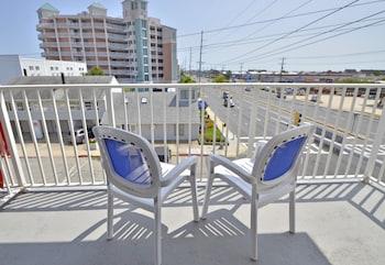 Picture of Coastal Palms Inn & Suites in Ocean City