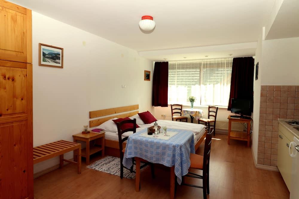 Standard-huoneisto, 1 keskisuuri parisänky, Keittotila, Vuoristonäköala - Olohuone