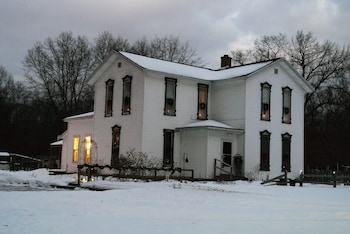 Picture of Amanda's Bequest Bed & Breakfast in Montague