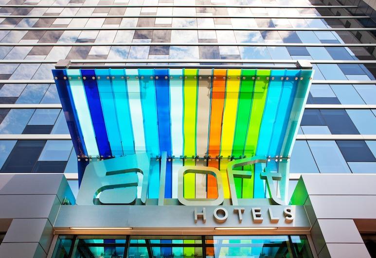 Aloft Chicago Downtown River North, Chicago, Traditionele kamer, 2 queensize bedden, Ingang van hotel