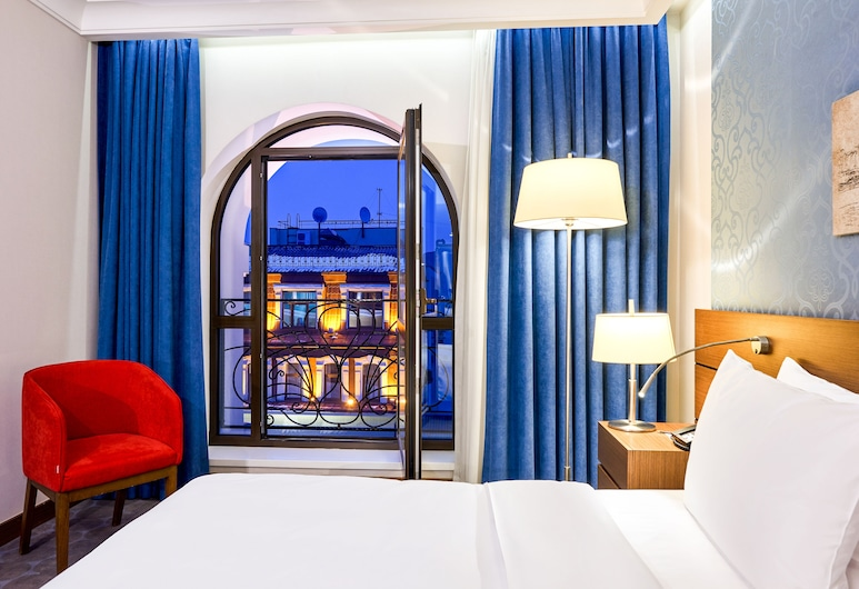 Radisson Blu Hotel, Kyiv Podil City Centre, Kyiv, Junior suite, Uitzicht vanaf kamer
