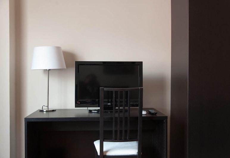 Parco delle Valli Bedrooms, Rome, Triple Room, Guest Room