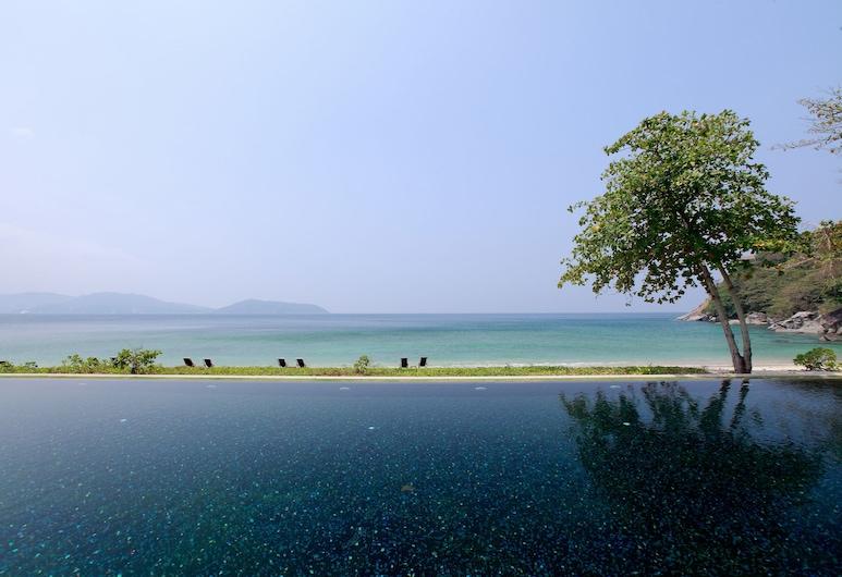 布吉那卡酒店, 卡馬拉, 無邊際泳池